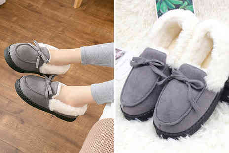 Spezzeee - Pair of womens warm plush moccasin slippers - Save 57%