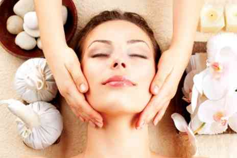 Celebeauty - Candlelit Facial - Save 53%