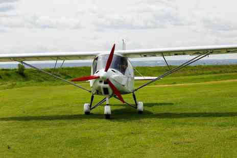 Two Two Fly - 20 minute flying lesson - Save 0%