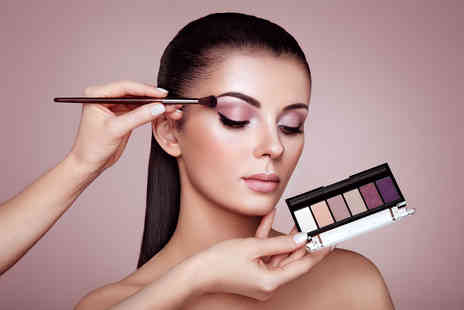 Glamour Makeup Academy - Three hour makeup masterclass and Prosecco - Save 83%