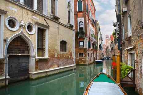 Hotel Carlton on the Grand Canal - Four Star Traditional Romantic Chic on the Grand Canal for two - Save 85%