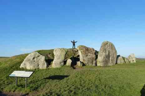 Oldbury Tours - Bespoke private tours of Stonehenge and Avebury by car with local guide - Save 0%