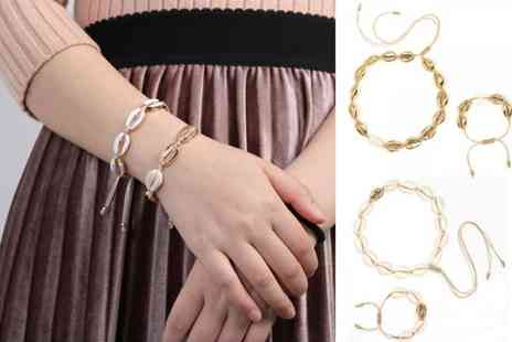 Backtogoo - Shell choker and bracelet set choose from two colours - Save 70%