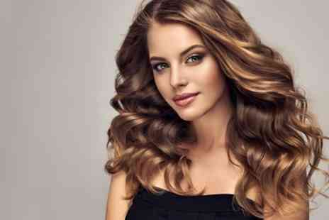 Es Paradis - Wash, Cut and Blow Dry with Optional Half or Full Head Highlights - Save 56%