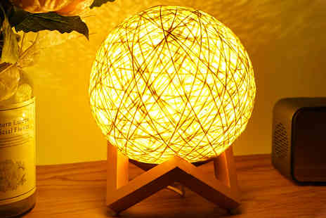 Magic Trend - Wooden frame rattan effect ball night lamp - Save 84%