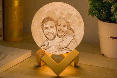 Magic Trend - Engraved or photo moon lamp - Save 64%