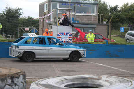 Mendips Raceway - Four hour stock car driving experience for one person - Save 62%