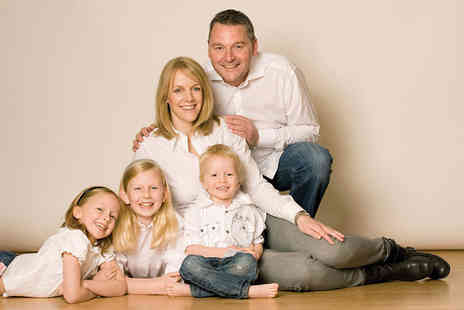 Barrett & Coe - One hour family photoshoot including a consultation, a framed 8 Inch x 6 Inch photograph and a £20 gift voucher - Save 95%