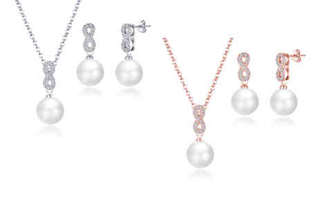 Philip Jones - Infinity pearl set made with crystals from Swarovski - Save 58%
