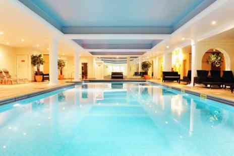 Stoke By Nayland Hotel Golf And Spa - Standard or Deluxe Room for 2 with Optional Breakfast and Spa Access - Save 27%