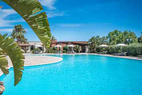 Mulino a Vento - Four Star Tranquil Poolside Escape Close to the Italian Coastline for two - Save 66%