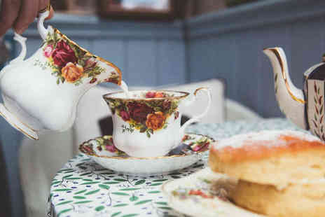 The Lamppost Cafe - Afternoon tea for two people with a bottle of Prosecco to share - Save 33%
