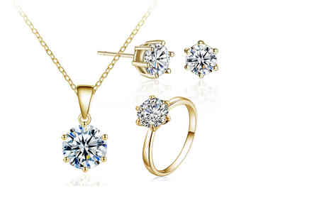 Your Ideal Gift - Gold coloured crystal solitaire tri set made with crystals from Swarovski - Save 89%