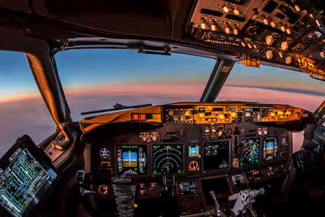 Britannia - Boeing 737 flight simulator experience choose from four flight options - Save 40%