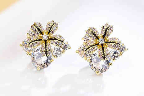 Your Ideal Gift - Pair of starflower earrings made with crystals from Swarovski - Save 83%