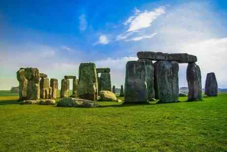 UK Vacation Tours - Private Bath and Stonehenge Day Tour Up To 7 People - Save 0%