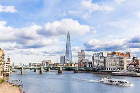 Circular Cruise - Child return ticket for a hop on hop off circular cruise on the Thames - Save 45%