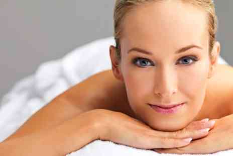 Lulubbeauty - 75 Minute Women Pamper Package - Save 56%