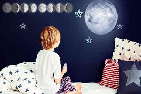 Avant Garde - Led rotating moon light with remote control - Save 69%