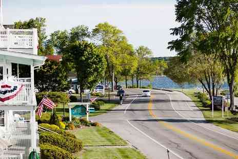 Edgewater Resort - Wisconsins Door County Suite Stay into Spring - Save 0%