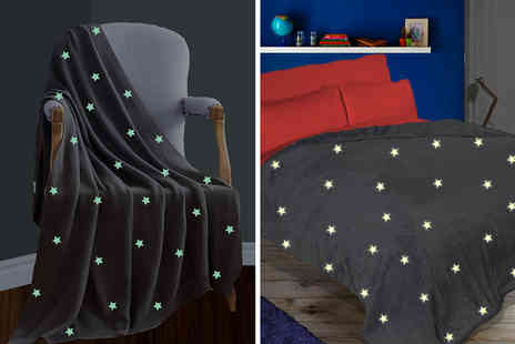 Groundlevel - Starry glow in the dark throw - Save 71%