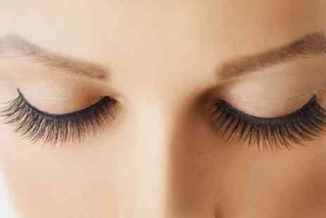 Beauty Mirror - Semi Permanent Eyelash Extensions with Thread and Tint - Save 54%