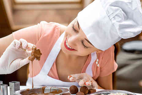 Into The Blue - Deluxe chocolate making course - Save 25%