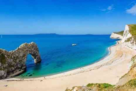 London Country Tours - Private tour to Durdle Door, Corfe Castle, New Forest - Save 0%