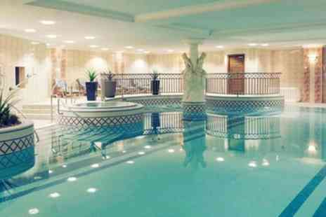 Mercure Dartford Brands Hatch Hotel and Spa - Double Room for 2 with Breakfast, Leisure Access and Option on Dinner - Save 28%