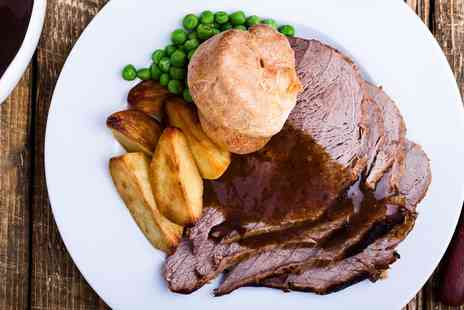 The Clock N8 - Sunday lunch with prosecco for Two - Save 50%