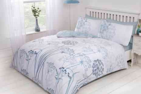 Groupon Goods Global GmbH - Pieridae Country Meadow Reversible Duvet Set - Save 0%
