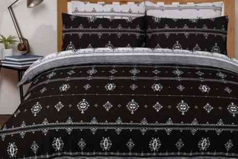 Groupon Goods Global GmbH - Fashion Prints Reversible Duvet Set - Save 0%