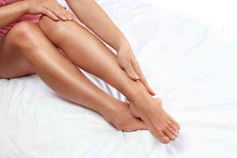Naturalaser - Three sessions of IPL hair removal on a small, medium or large area - Save 72%