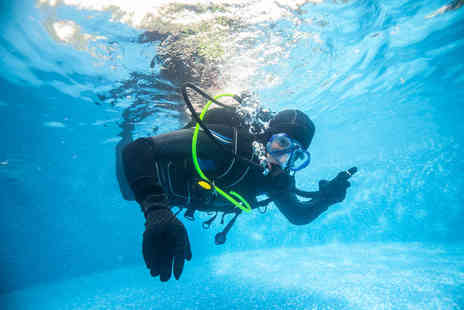 DiveMania Scuba - Two hour discover scuba lesson - Save 50%