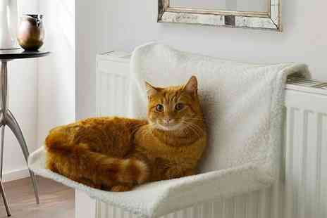 Vivo Mounts - Hanging radiator warm fleece pet bed Choose your colour - Save 60%