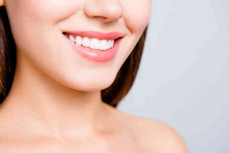 Cheshire Dental Centre - Removable clear braces with up to ten aligners on one arch - Save 58%