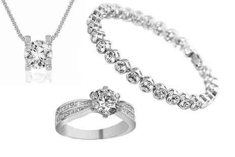 Gemnations - Crystal bracelet, ring and necklace set - Save 85%