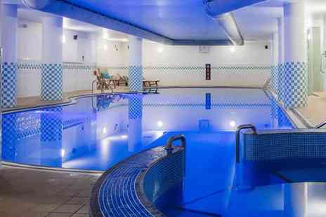 The Hilton - Two course Prosecco brunch for two and spa access - Save 48%