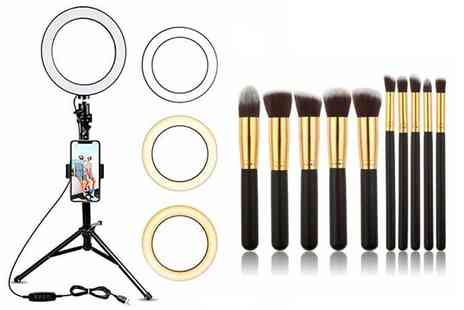 WowWhatWho - Ring light and 10pc makeup brush set - Save 68%