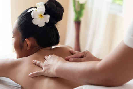 Zen Den by Yemi - Choice of a one hour massage - Save 65%