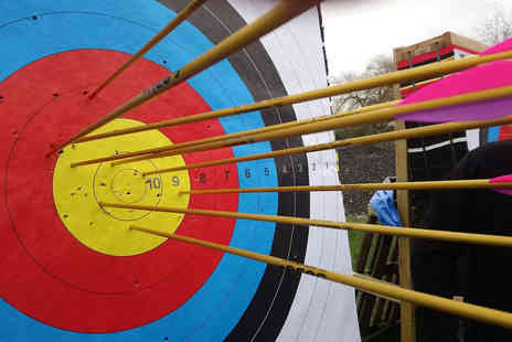 Battle Archery - Target archery experience for one person - Save 40%