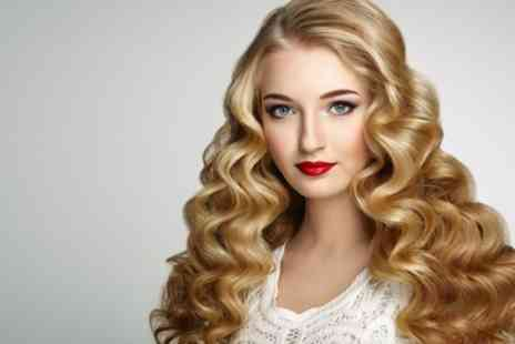 Question Marque Lounge - Wash, Cut, Blow Dry and Condition with Optional Choice of Highlights - Save 77%