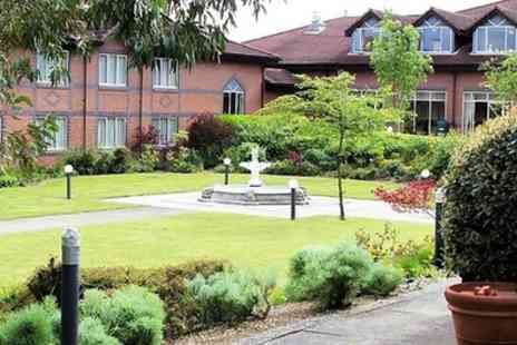 Mercure Daventry Court Hotel - Double Room for 2 with Breakfast, Leisure and Option for Dinner - Save 41%
