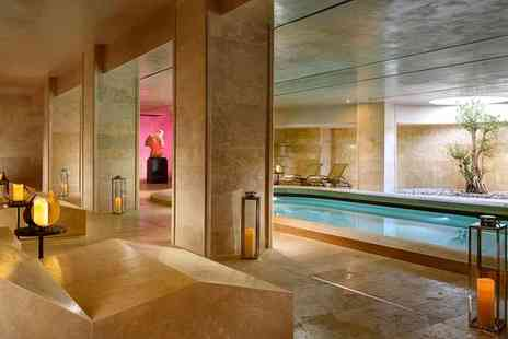 A Roma Lifestyle Hotel - Four Star Modern Spa Retreat in the Eternal City for two - Save 70%