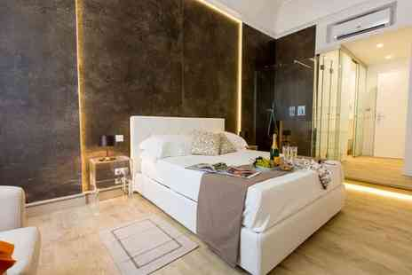 Palermo In Suite Aparthotel - Perfectly Placed Modern Aparthotel for two - Save 55%