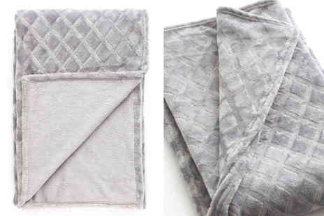 Cascade Home - Large trellis throw choose your colour - Save 56%