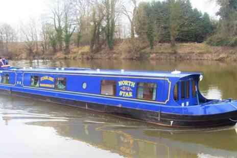 Starline Narrowboats - 3 or 4 Nights Boat Hire for Up To Twelve People with Starline Narrowboats - Save 0%