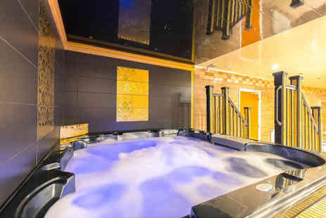 Safiyas Retreat - Two hour spa access with four treatments - Save 39%