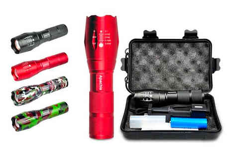 Uerotek - Military style LED torch or £10.98 for a torch and accessories kit choose from four colours - Save 81%