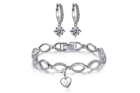 Your Ideal Gift - Crystal link set and charm made with crystals from Swarovski- Save 0%